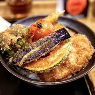 新潟カツ丼 タレカツ 本店 - ■野菜かつ丼 830円