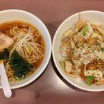けん太 - 肉野菜炒丼+半ラーメン ¥850