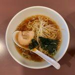 けん太 - 肉野菜炒丼+半ラーメン ¥850 の半ラーメン