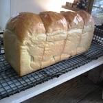 11324051 - お店の看板商品、食パン☆