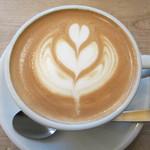 ルーツ&ビートコーヒー - カフェラテ 340円