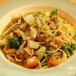 ピッツェリアSakai - ベーコンとフレッシュトマトのバジルソース スパゲティ(パスタランチメニュー)