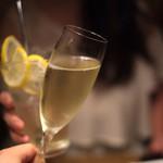 うしごろバンビーナ・カルボーネ - 乾杯はスパークリングで