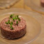 うしごろバンビーナ・カルボーネ - 極上赤身肉のタルタル