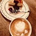 カフェ ザ ベイ - チーズケーキ+カフェラテ
