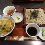 蕎麦司 紅がら - 料理写真:お昼のサービス膳:そばと天丼