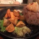 壱岐 - *壱岐牛のステーキ。 かなりのボリュームでこれだけでもお腹いっぱいに。 肉厚でジューシーなお肉、美味しいです♫