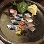 113273145 - 五島生鯖のお造り。お目当ての生鯖は九州ならではのお造り。独特な鯖の味わいが嬉しい。