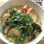 スープカレー トムトムキキル - グリーンカレー(ピッキーヌ5本)