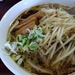 里龍 - 料理写真:   肉もやしラーメン 730円
