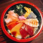 新橋屋 - 料理写真:チラシ丼