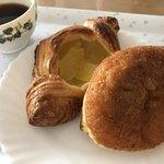 ホワイトロック - アップルパイとカレーパン