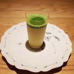 カレーのアキンボ - 料理写真:トウモロコシのすりながしと抹茶(5000円のコース)