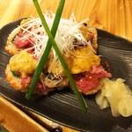 羽田市場 - 本生まぐろロース寿司ウニイクラのせ(480円)