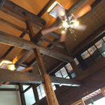 梵恩舎 - 天井が高いです