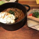 nakamegurogurirusuro-te-buru - 煮込みハンバーグ