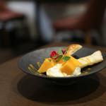 kitchen俊貴 - 宮崎産 完熟マンゴーマスカルポーネチーズムースのミルフィーユ仕立て☆