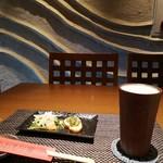 あおもり家 - 津軽金山焼きグラスで飲むビールは最高(/▽\)♪