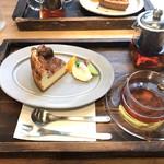 珈琲屋 Wacca - ベイクドチーズケーキとブレンドティー