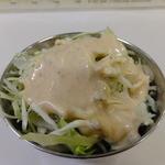 RAJ 荏原町店 - ランチタイムに付くサラダ