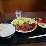 IZAKAYA(居酒屋) せいじゅ - 料理写真:ガーリックステーキごはん大盛り 1180円