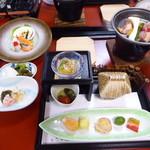 ホテル山水荘 - 料理写真:夕食