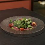 個室 肉寿司と松阪牛 くずし割烹たてがみ - 和牛カルパッチョ〜トリュフオイル〜