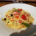 OSTERIA udagawa - ベーコンと茄子とピーマンとトマトのアリオ・オーリオスパゲッティ全景