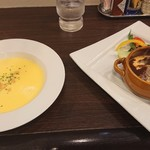 ピノキオクッチーナ - ピノキオランチ 1,000円(税別)の、コーンスープと、牛タンのビーフシチュー