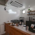 BENCH COFFEE STAND - 内観☆