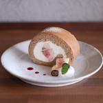 キッサ マシマロ - 料理写真:2019年8月再訪:無花果とほうじ茶のロールケーキ☆