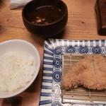 113369097 - 厳選豚ロースかつ定食小(2,100円)