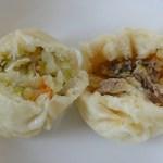廣林店 - 左:野菜まん 右:豚まん