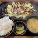 じゅーじゅー焼き 肉釜食堂 - じゅーじゅー焼肉定食 780円