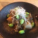 GIRINO - 枝豆と厚揚げの煮物