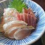 イノザキッチン - 料理写真:おすすめAランチのお刺身三種丼