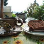 てらす茶屋 ゆうなみ - シフォンケーキとコーヒー