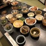Kinokawa - 前菜?10種類以上の小鉢