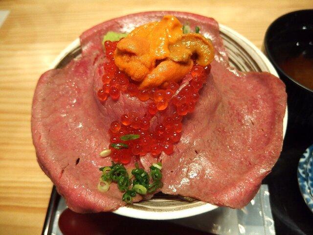 吉祥寺 肉ドレス海鮮丼 本店>