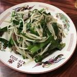 喜楽 - レバニラ炒め 650円 臭みもなくボリューム満点で、ニンニクの効いた味付けで美味し!