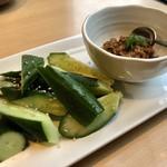 個室居酒屋 肉和食 肉仙 - 料理写真:たっぷり肉味噌きゅうり