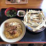 うどんの小町 - ミニカツ丼(吸物付き) トッピングごぼう天