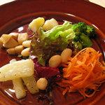 ohanaya - ohanaランチの野菜の盛り合わせプレート