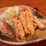 ひわさ屋 - 唐揚げは徳島のブランド鶏「阿波尾鶏」を使った唐揚げ、下味がついてるからこのままでご飯のおかずにピッタリでしたよ。