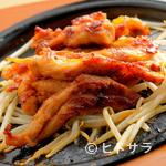 赤から - 鶏の希少部位「セセリ」をピリ辛に味付けした『名物鶏セセリ焼き』