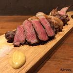 肉バルサンダー - 骨付き仔羊&黒毛和牛サーロイン