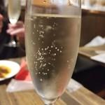 関内バル 333 - スパークリングワイン