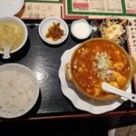 東方明珠飯店 - マーボー豆腐定食(辛さ大) 700円