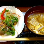 寿司鉄 - 寿司鉄 @平和台 ランチに付くサラダと味噌汁