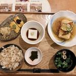 中央食堂・さんぼう - 胡麻豆腐湯葉巻きご飯  1300円
